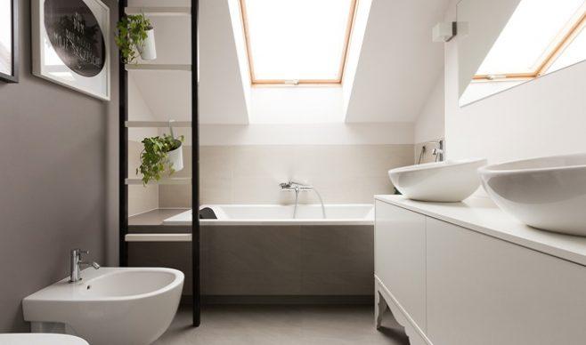 Łazienka na poddaszu: jakie okna?