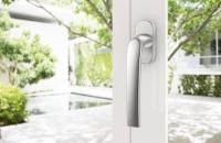 Funkcjonalne rozwiązania w oknach i drzwiach -propozycje firmy ROTO