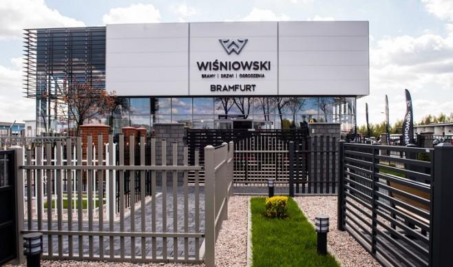 Salon firmy WIŚNIOWSKI w Łomiankach