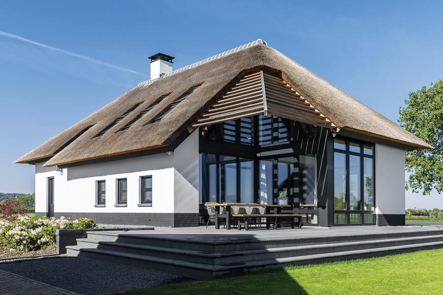 Renowacja starych budynków farmy w Holandii
