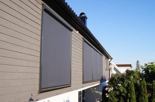 rolety, żaluzje, markizy chronia nasz dom przed słońcem